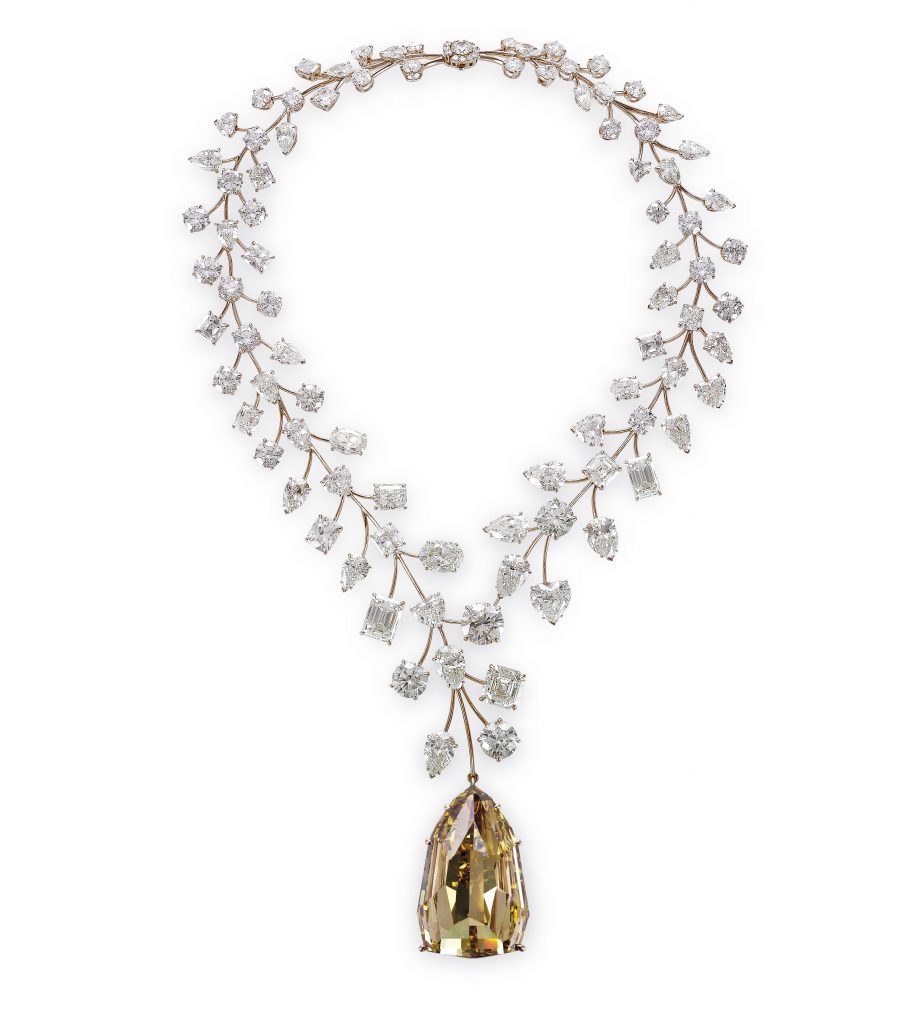 mouawad_incomparable-diamond-necklace-2