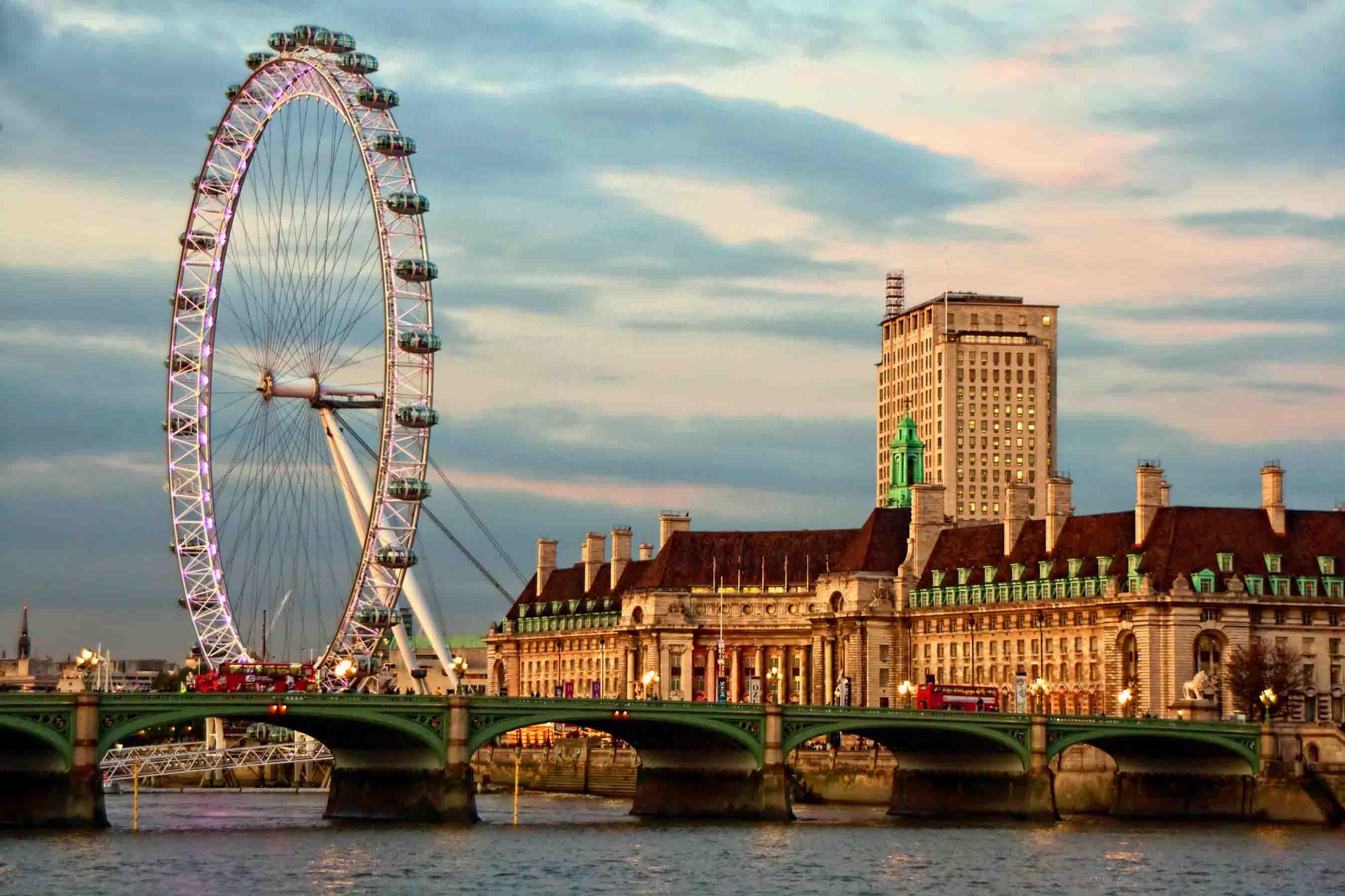"LONDRA'DA KAYBOLMA VAKTİ! ""GÜNSELI ÇINAR"""
