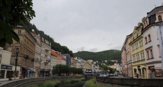Orta Dünya'da Yeşil Vadi: Karlovy Vary