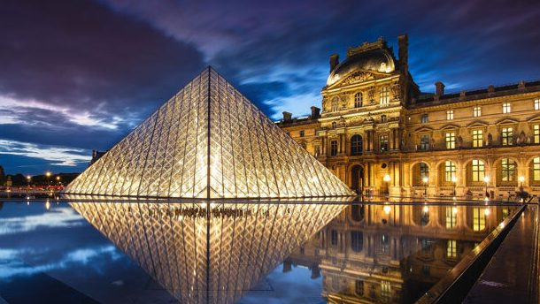 Louvre Müzesi - Paris'in Kalbinde Dünyayı Gezme Şansı