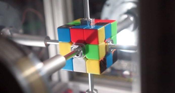 yapay zekalı robot