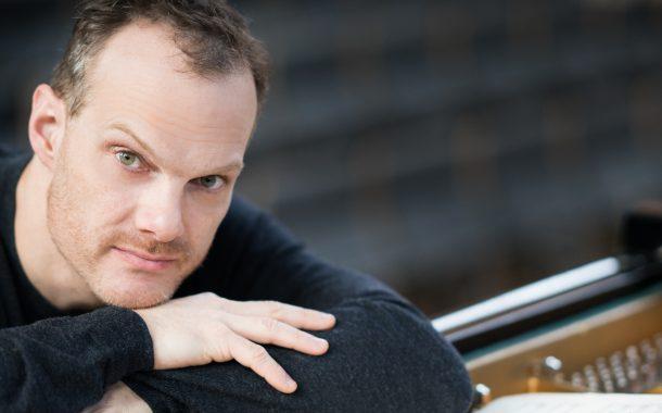 Lars Vogt, İlk Kez, Şefliğini De Üstlendiği Royal Northern Symphony İle İş Sanat'ta