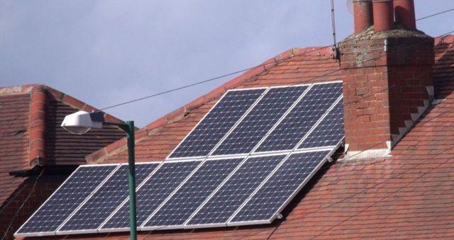 çatıda elektrik
