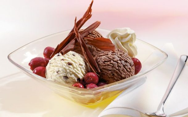 Sıcak Yaz Günlerinde Gurme Mövenpick Dondurmalarıyla Serinleyin